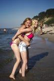 δύο νεολαίες γυναικών στοκ φωτογραφίες με δικαίωμα ελεύθερης χρήσης