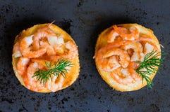 Δύο ορεκτικά tapas με τις γαρίδες Στοκ Φωτογραφία
