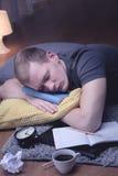 Ύπνος ατόμων με το σημειωματάριο Στοκ Φωτογραφία
