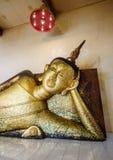 Ύπνος Βούδας αριστερών πλευρών στοκ φωτογραφίες με δικαίωμα ελεύθερης χρήσης