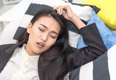 Ύπνος επιχειρησιακών γυναικών Στοκ Φωτογραφία