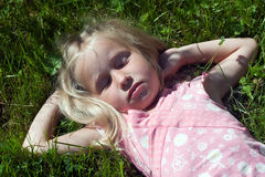 ύπνος κοριτσιών στοκ εικόνες με δικαίωμα ελεύθερης χρήσης