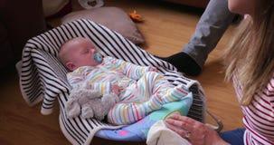 Ύπνος μωρών στην ψευτοπαλλικαρά μωρών