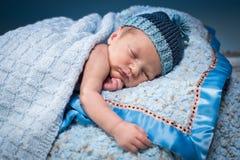 Ύπνος νεογέννητος Στοκ φωτογραφία με δικαίωμα ελεύθερης χρήσης