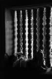 Ύπνος τουριστών γυναικών κοντά στο παράθυρο Στοκ Φωτογραφίες