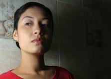 ύποπτη γυναίκα στοκ εικόνες με δικαίωμα ελεύθερης χρήσης