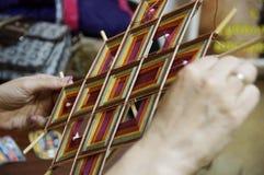 Ύφανση του mandala του Θιβέτ Στοκ εικόνα με δικαίωμα ελεύθερης χρήσης