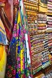 Ύφασμα για την πώληση στο μεγάλο Bazaar στη Ιστανμπούλ Στοκ φωτογραφία με δικαίωμα ελεύθερης χρήσης