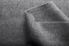 Ύφασμα τουίντ, υφαντικό υπόβαθρο ψαροκόκκαλων μαλλιού γκρίζο Στοκ εικόνα με δικαίωμα ελεύθερης χρήσης