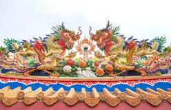 Ύφος αγαλμάτων δράκων στον κινεζικό ναό Στοκ Εικόνες