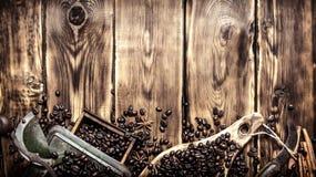Ύφος καφέ Παλαιός μύλος καφέ Στοκ Φωτογραφία