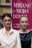 Ύφος οδών κατά τη διάρκεια της εβδομάδας μόδας του Μιλάνου για την άνοιξη/το καλοκαίρι του 2015 στοκ φωτογραφίες με δικαίωμα ελεύθερης χρήσης