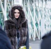 Ύφος οδών: Φθινόπωρο εβδομάδας μόδας του Μιλάνου/χειμώνας 2015-16 Στοκ φωτογραφία με δικαίωμα ελεύθερης χρήσης