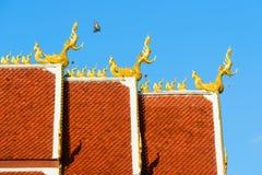 Ύφος στεγών του ταϊλανδικού ναού Στοκ Φωτογραφία