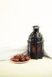 Ύφος φαναριών αραβικά ή Μαρόκο με το φοίνικα ημερομηνίας Στοκ εικόνες με δικαίωμα ελεύθερης χρήσης