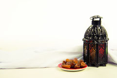 Ύφος φαναριών αραβικά ή Μαρόκο με το φοίνικα ημερομηνίας Στοκ εικόνα με δικαίωμα ελεύθερης χρήσης