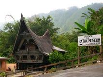 Ύφος Batak μουσείων Tranditional στη λίμνη Toba στοκ εικόνα