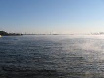 ύδωρ καπνού αντανάκλασης λιμνών Στοκ Εικόνα