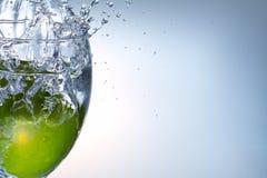 ύδωρ παφλασμών ασβέστη καρπού Στοκ Εικόνα