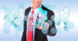 Ώθηση του ψηφιακού κουμπιού στη διαπροσωπεία οθόνης αφής στοκ εικόνες