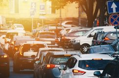 Ώρα κυκλοφοριακής αιχμής στην πόλη στοκ φωτογραφίες με δικαίωμα ελεύθερης χρήσης
