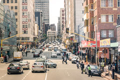Ώρα κυκλοφοριακής αιχμής και κυκλοφοριακή συμφόρηση στο Γιοχάνεσμπουργκ Νότια Αφρική Στοκ Φωτογραφίες