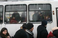 Ώρα κυκλοφοριακής αιχμής το χειμώνα Στοκ εικόνες με δικαίωμα ελεύθερης χρήσης