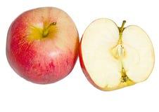 Ώριμα μήλα σε ένα απομονωμένο υπόβαθρο Στοκ Εικόνες