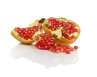 Ώριμα φρούτα ροδιών που απομονώνονται στο άσπρο υπόβαθρο Στοκ φωτογραφίες με δικαίωμα ελεύθερης χρήσης