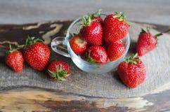 Ώριμες και νόστιμες φράουλες Στοκ Εικόνα