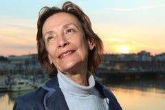 Ώριμη γυναίκα από το λιμάνι Στοκ εικόνες με δικαίωμα ελεύθερης χρήσης