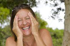Ώριμη γυναίκα που απολαμβάνει τον ευτυχή τρόπο ζωής στοκ φωτογραφίες με δικαίωμα ελεύθερης χρήσης