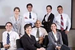 Ώριμη ισπανική ομάδα γραφείων επιχειρηματιών κορυφαία στοκ φωτογραφίες