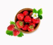 Ώριμη και νόστιμη φράουλα που απομονώνεται στο άσπρο υπόβαθρο Στοκ φωτογραφία με δικαίωμα ελεύθερης χρήσης