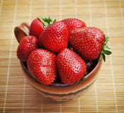 Ώριμη juicy φράουλα Στοκ φωτογραφία με δικαίωμα ελεύθερης χρήσης