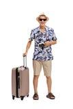 Ώριμος τουρίστας με μια βαλίτσα στοκ εικόνες