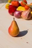Ώριμο κόκκινο homegrown αχλάδι στοκ φωτογραφίες με δικαίωμα ελεύθερης χρήσης