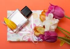 δώρο λουλουδιών Στοκ Εικόνες