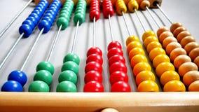 Абакус перспективы для подсчитывать практику, шарики выровнянные раскосно стоковое изображение