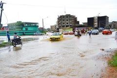 Абиджан затопляет/внеочередное заседание на ратуше Cocody вчера: Мольба ` s мэра Стоковое фото RF