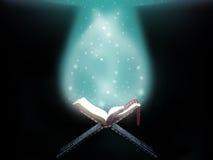Абстрактная исламская книга Корана Стоковые Изображения