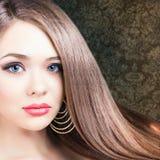 абстрактная иллюстрация стиля причёсок способа знамени женщина красивейших волос длинняя прямая Стоковые Фотографии RF