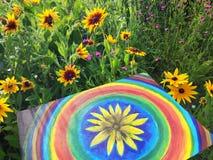 Абстрактная картина на холсте в парке лета Желтые круги цветка и радуги rudbeckia Стоковое фото RF