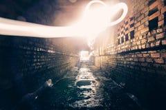 Абстрактная картина freezelight или замораживания светлая в тоннеле кирпича городском Стоковая Фотография