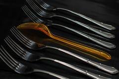 Абстрактная концепция с вилками кто-то нет как все Стоковые Фото