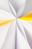 Абстрактная красочная предпосылка от бумажных листов стоковое фото