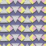 Абстрактная линейная картина вектора треугольника, в стиле Мемфиса, безшовная картина Стоковая Фотография RF