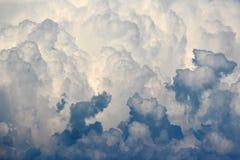 Абстрактная предпосылка белых и голубых облаков Стоковые Фото
