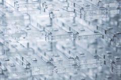 абстрактная предпосылка высокотехнологичная Детали прозрачной пластмассы или стекла Вырезывание лазера плексигласа Стоковые Изображения