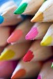 Абстрактная предпосылка красочных карандашей стоковые фото